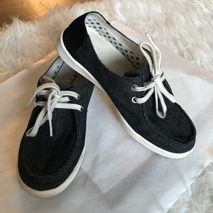 Ellen Degeneres ED Love Belmont Canvas Loafers